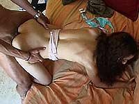 Video porno beurette à la petite paire de seins naturels