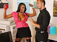 Video porno black gros seins aime les verges blanches